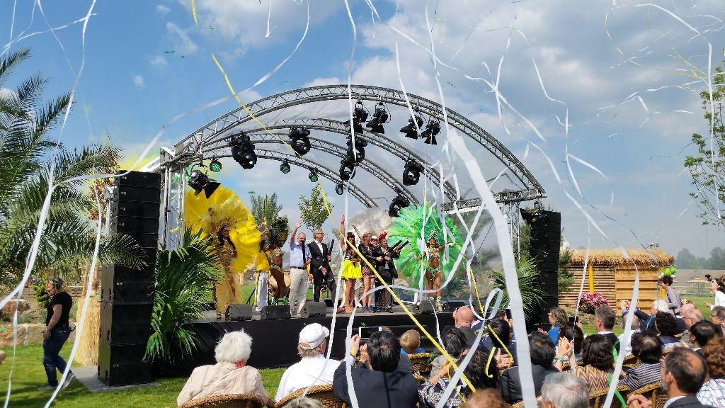 Mit großem Tamtam wurde der Außenbereich AMAZONIA eingeweiht.