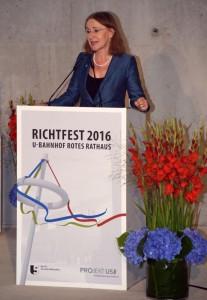 BVG-Chefin Sigrid Nikutta dankte allen am Bau beteiligten.