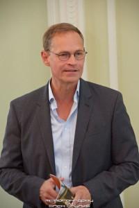 Bürgermeister und Kultursenator Michael Müller besichtigte in Funktion als Bauherr den Baufortschritt der Staatsoper. Foto: Erich Grönke