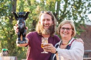 Bezirksbürgermeisterin Angelika Schöttler freut sich über die Ansiedlung der Brauerei im Marienpark. Fotos: Stefan Hähnel