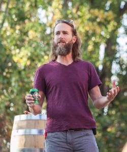 Stone-Beer gibt es in Dosen oder im Fass.