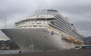 Die Costa Diadema im Hafen.