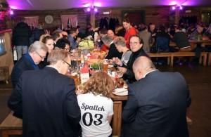 Viele Gäste testeten das gastronomische Angebot in der Schmankerl-Hütte.