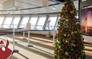 Weihnachtlicher Besuch wird demnächst auf der Aussichtsplattform erwartet.
