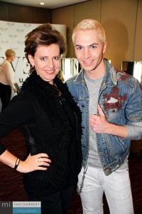 Julian David (sowieso immer top gestylt) und Chefredakteurin Anja Strebe.