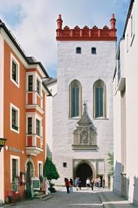 Blick in die Schloßstraße mit dem Matthiasturm. Foto Lohse, Chemnitz