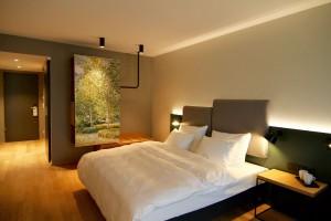 Warme Farben geben den Zimmern ein behagliches Ambiente.