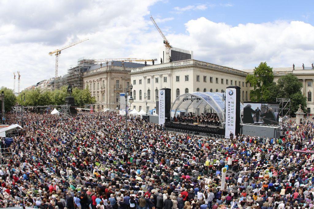 45.000 Zuschauer waren 2017 beim Staatsoper für alle-Konzert. Foto: Thomas Bartilla