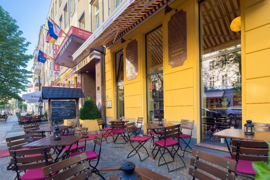 Auf der Terrasse des Restaurants Ausspanne kann man den Feierabend genießen.