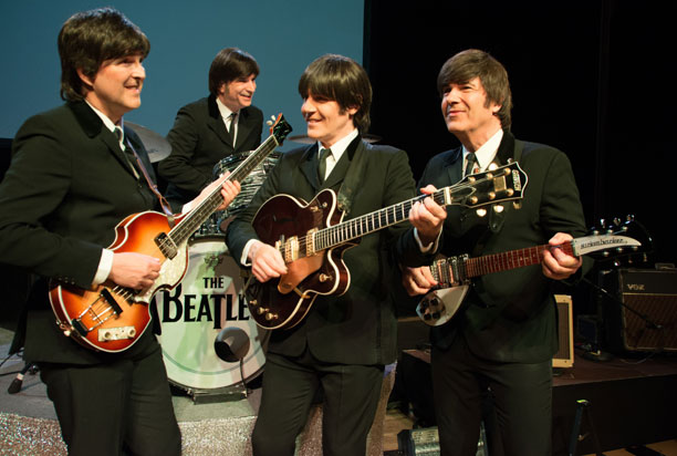 Beatles-Darsteller Howard Arthur, Alan LeBoeuf, John Brosnan und Carmine Grippo.