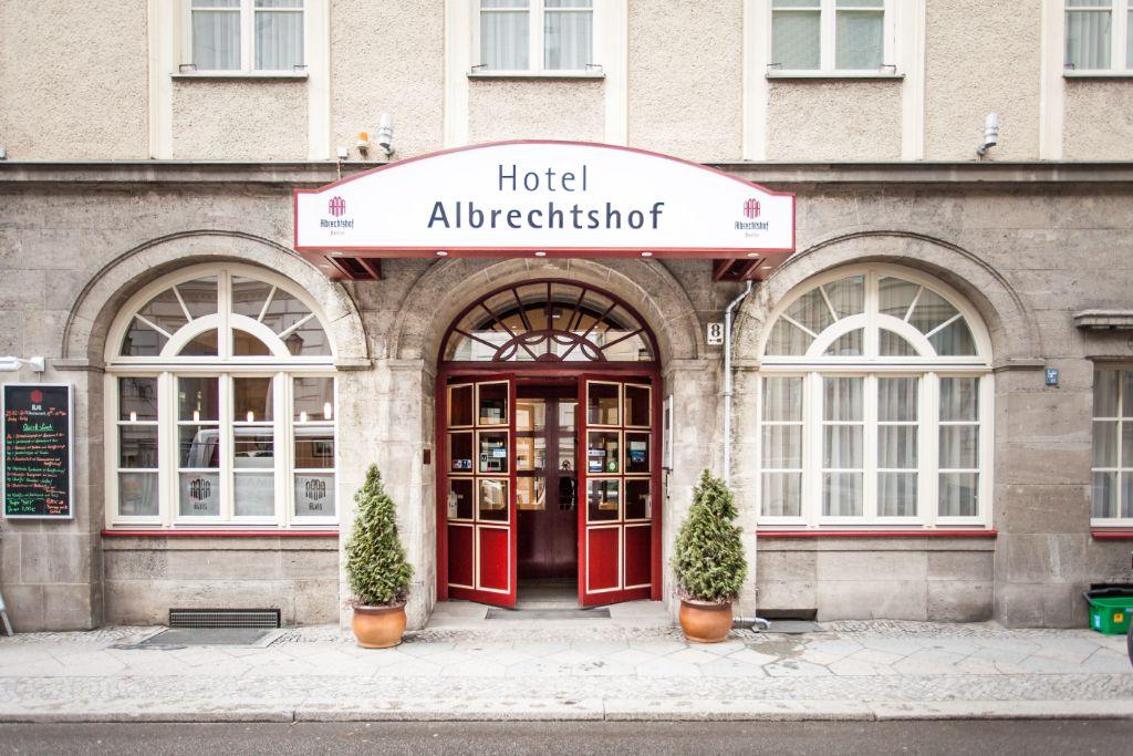 1994 wurde das Haus als Hotel Albrechtshof wiedereröffnet.
