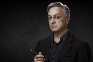 Stefano Canulli zeichnet für das Kostümdesign verantwortlich.