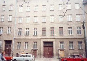 Die alte Fassade zu DDR-Zeiten.
