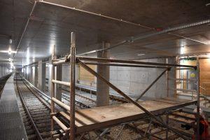 Der Tunnelabschnitt wurde von 1930 bis 2016 als Aufstell- und Kehranlage für die Züge der heutigen U5 genutzt.