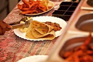 Afrikanische Kulinarik für die Gäste beim African Food Festival.