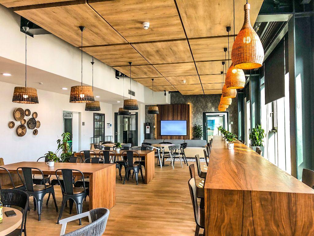 Lounge im neuen FTI-Standort im Spindlershof.