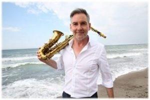 Zum Jazz in den Ministergärten tritt Andreas Pasternack in der Landesvertretung Mecklenburg-Vorpommern auf.