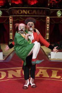 Sorgen für Lacher: Clown Eddy und Anatoli.