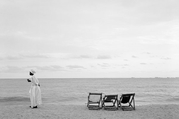 Akinbode Akinbiyi, Bar Beach, Victoria Island, Lagos, 2006, aus der Serie Sea Never Dry, Fotografie, Courtesy: der Künstler