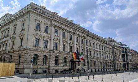 Das Hotel de Rome feiert seine Wiedereröffnung mit einem Konzert auf dem Bebelplatz.