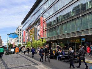 Fußgänger sollen die Straße entdecken und ihr neues Leben einhauchen.