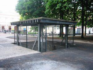 Der Aufzug zum Kulissenlager des Gorki-Theaters.