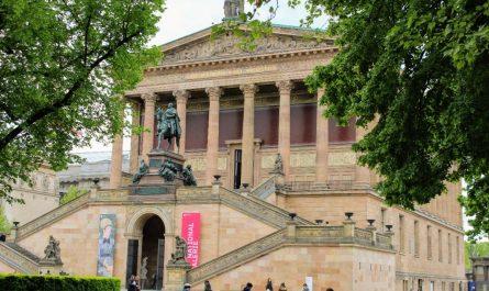 Attackiert wurden auch Werke in der Alten Nationalgalerie.