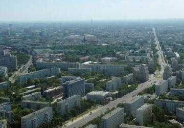 Die Karl-Marx-Allee wurde seit 2018 ausgebaut.