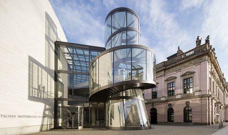 Pei-Bau und Zeughaus des Deutschen Historischen Museums.