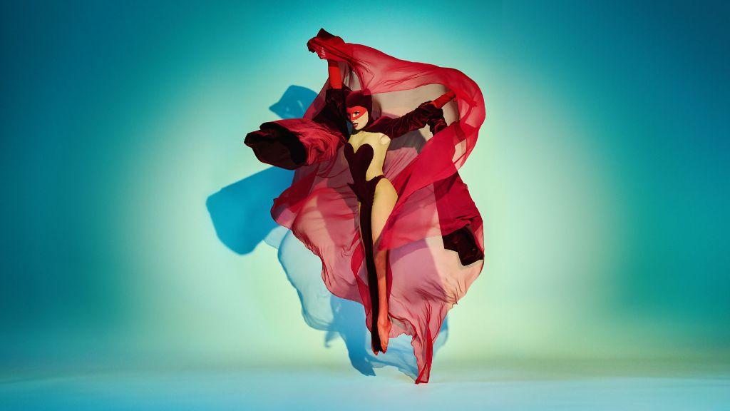 Burgundy Catty Kostümdesign: Stefano Canulli Foto: Kristian Schuller