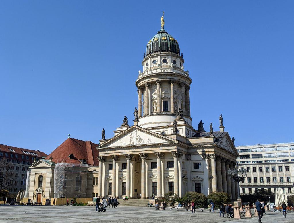 Die Sanierungsarbeiten des Französischen Doms sind beendet.