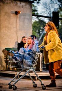 """Open Air: """"Gaia googelt nicht"""" Foto: Arno Declair/Deutsches Theater"""