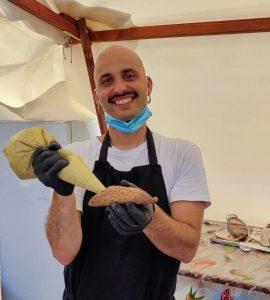 Zu den Spezialitäten beim Street Food Festival gehören die typischen sizilianischen Cannoli.