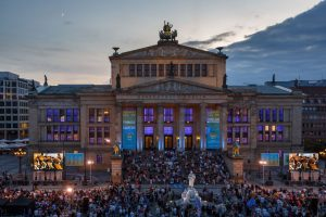Young Euro Classic 2019 vor dem Konzerthaus Berlin.