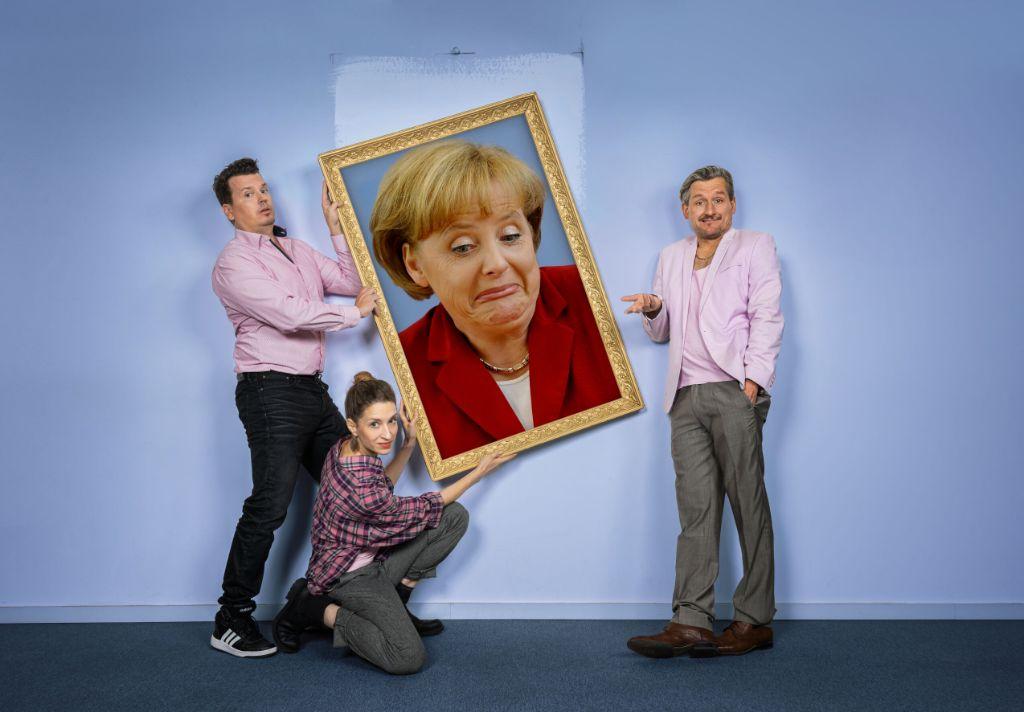 """Mit """"Deutschland in den Wechseljahren"""" läutet das Kabarett das Ende der Ära Merkel ein. Foto: Chris Gonz"""