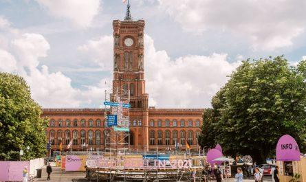 """Das Zentrum der """"Wissensstadt Berlin 2021"""" spielt sich im und am Roten Rathaus ab."""