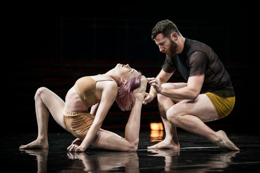 "Circa gastiert mit ""Humans"" im Chamäleon Theater."